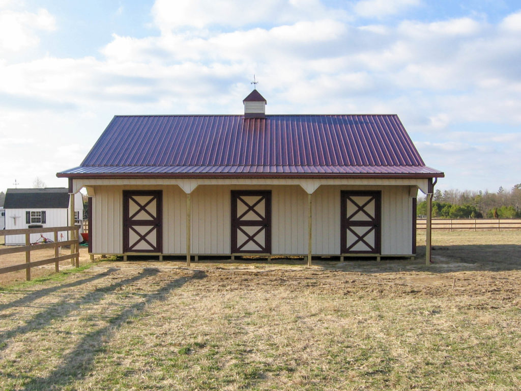 Pole barn construction green hill construction for Horse barn builders